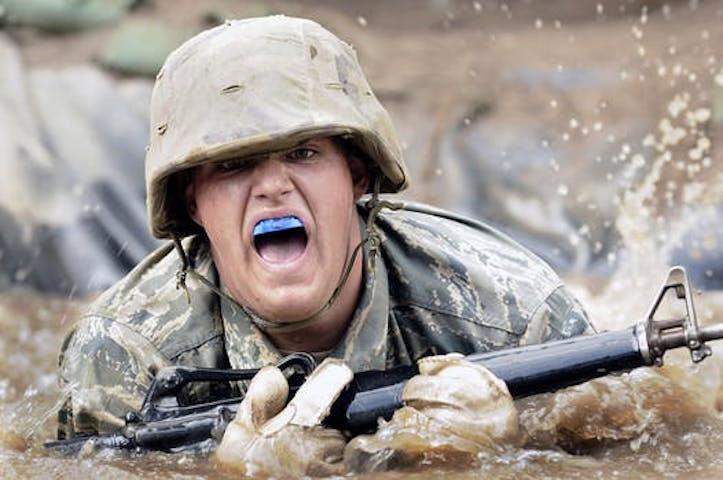En soldat i träning